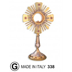 Monstrance with die-cast foot spikes in the Center